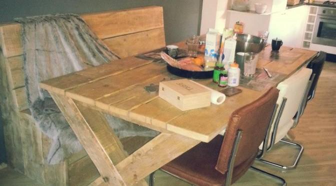 tafel  met bank van steigerhout